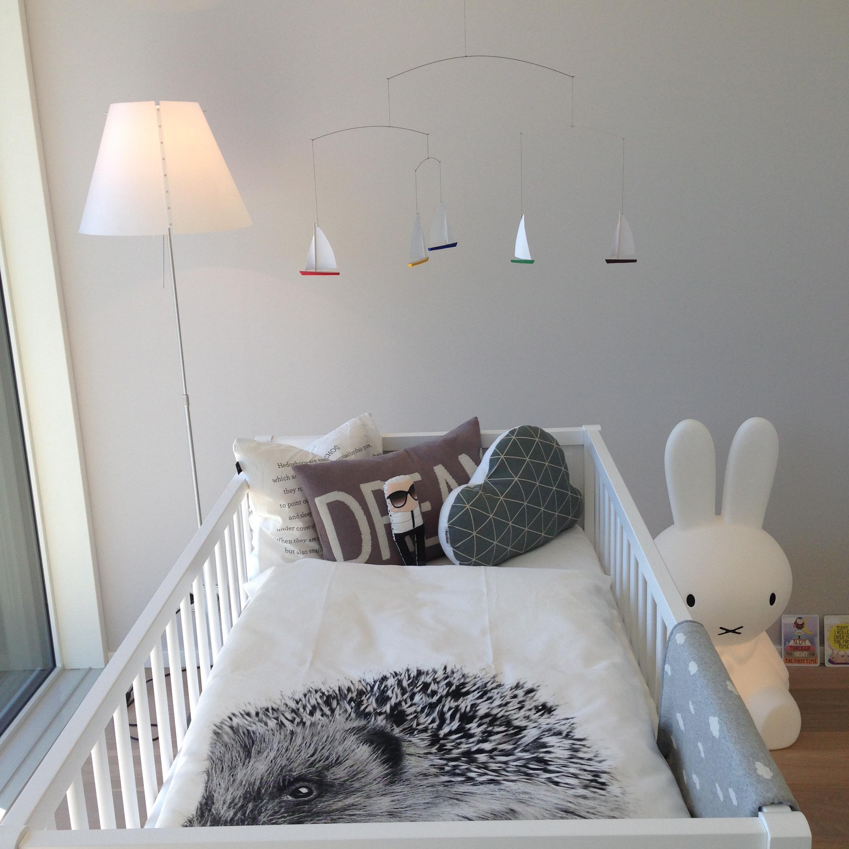 Anton zeigt uns sein Kinderzimmer – mytwodots
