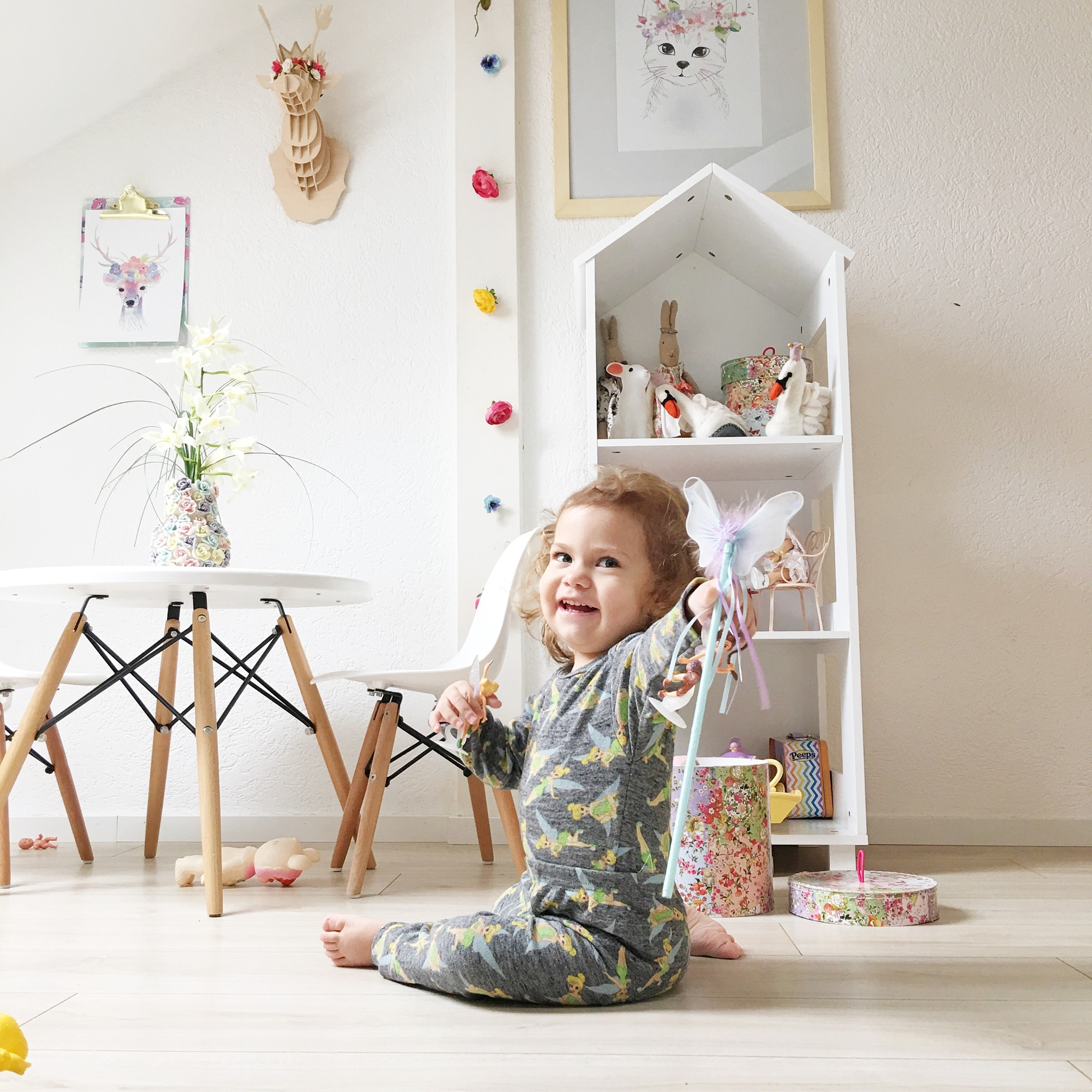 mit liebe zum detail mambru mum zeigt uns die zimmer ihrer kinder lukas und nina mytwodots. Black Bedroom Furniture Sets. Home Design Ideas